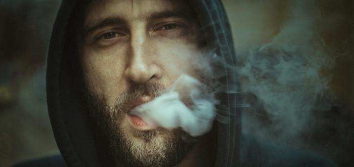 kouření a lízání zadků